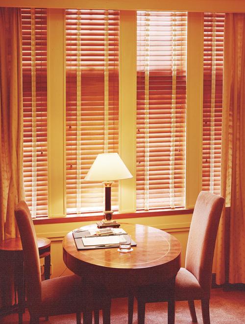 办公、家居卷帘式窗帘