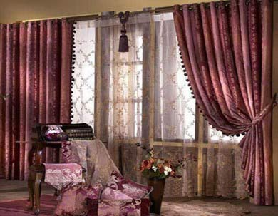 家居悬挂窗帘