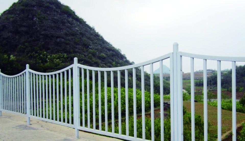 热浸塑公路护栏