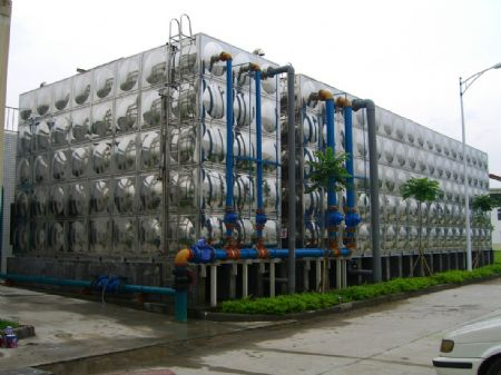 SUS304、316L、444、JYH21CT食品级不锈钢水箱