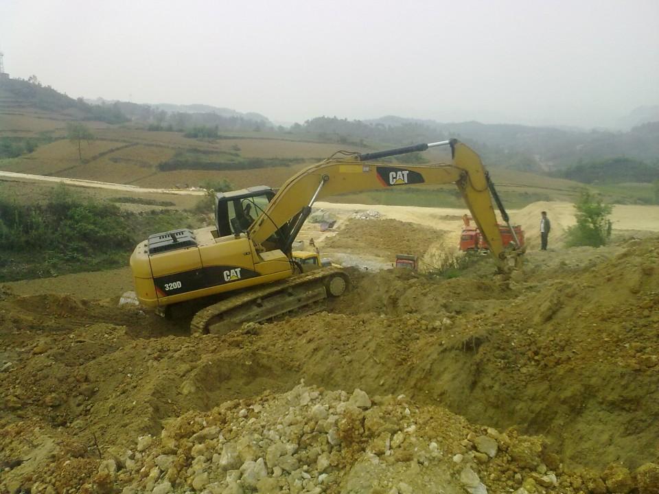 出租卡特320D挖掘機